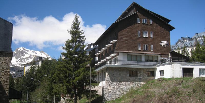 Figura 1. El Hotel Tobazo en Candanchú.