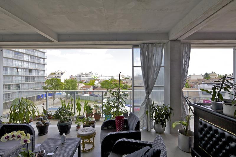 Jardín interior de uno de los apartamentos.