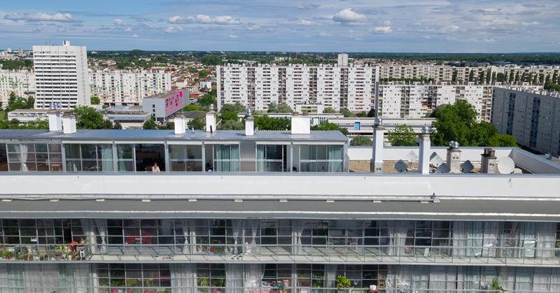 Detalle de los balcones de uno de los edificios.