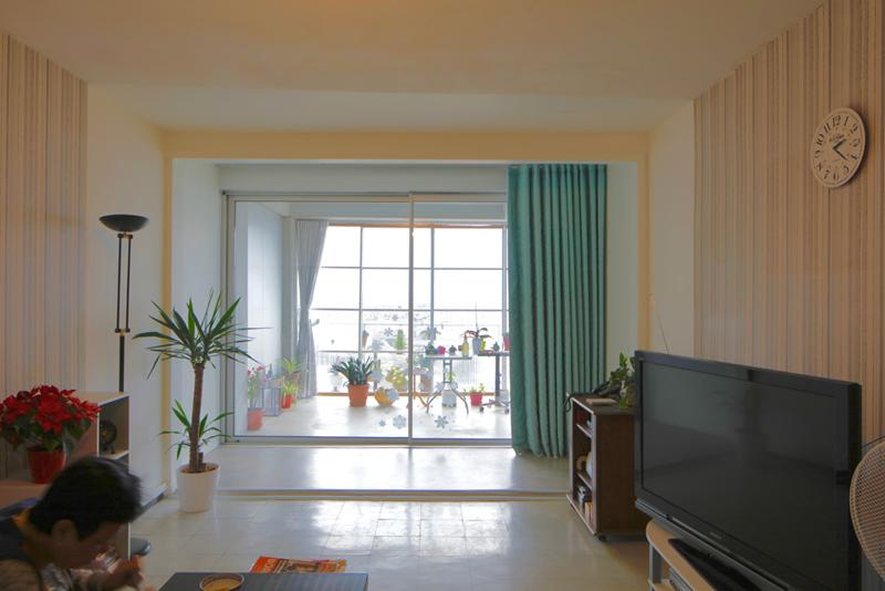 Tras la obra la vivienda gana en espacio y en luz natural.
