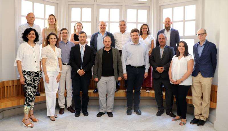 Foto de familia de la primera reunión del Comité Técnico del VI Congreso Smart Grids.