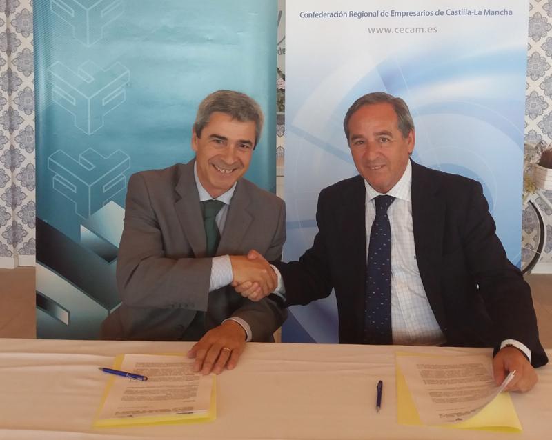 Momento de la firma del acuerdo entre CECAM y FERECO.