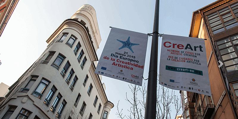 Carteles publicitarios de CreArt en la ciudad de Valladolid.