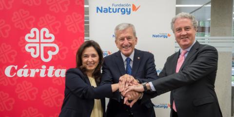 La rehabilitación energética para familias vulnerables continuará tras el acuerdo entre Fundación Naturgy y Cáritas
