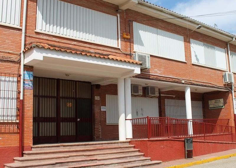 El primer colegio donde han comenzado las actuaciones de rehabilitación es en el CEIP La Fontanilla.
