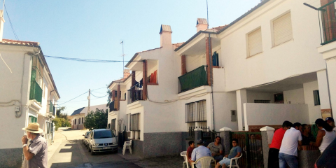AVRA dotará de aislamiento a fachadas y cubiertas de 23 viviendas del municipio granadino de Cortes y Graena
