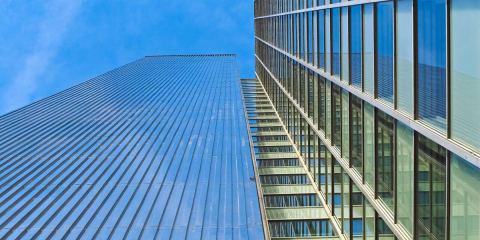 Láminas de control solar permiten reducir la factura energética de edificios durante todo el año