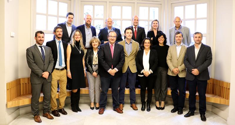 Foto de familia de la segunda reunión del Comité Técnico del VI Congreso Smart Grids.