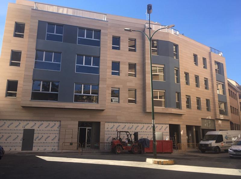 Proyecto residencial de 12 viviendas construido en Huesca.