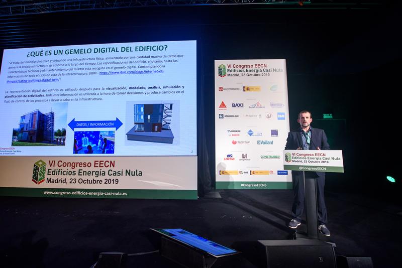 José Manuel Olaizola, de Tecnalia, habló sobre el gemelo digital y la herramienta BIM orientado a la edificación.