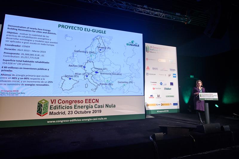 El proyecto de rehabilitación energética de Txabarri, en Sestao, fue presentado por Inés Díaz, de Cener.