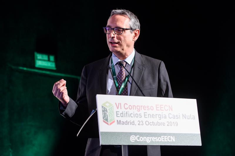 José Antonio Ferrer del CIEMAT, moderando el segundo bloque de ponencias de la jornada.