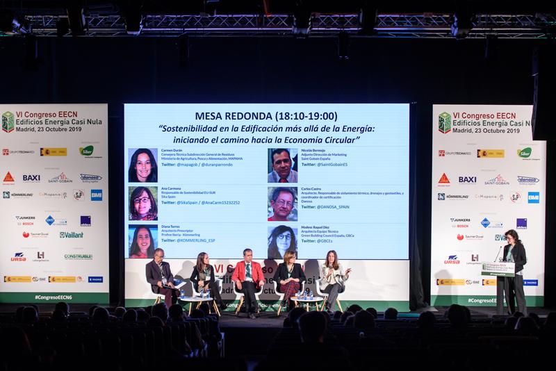 Raquel Díez, de GBCe, moderó la última mesa redonda que versó sobre economía circular.