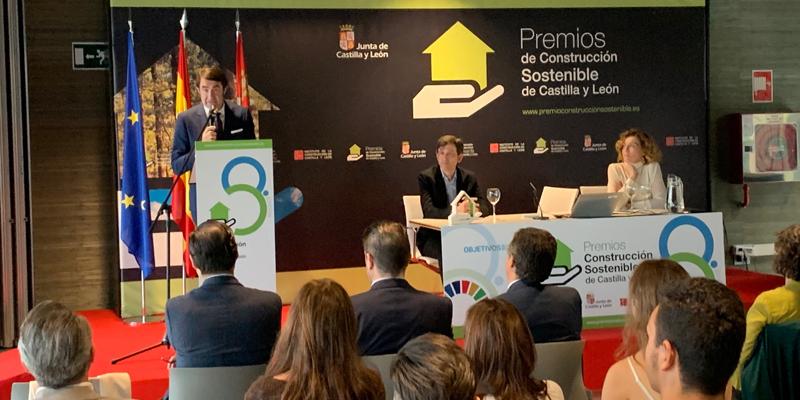 El consejero de Fomento Suárez-Quiñones presentó la VIII Edición de los Premios de Edificación Sostenible de Castilla y León.