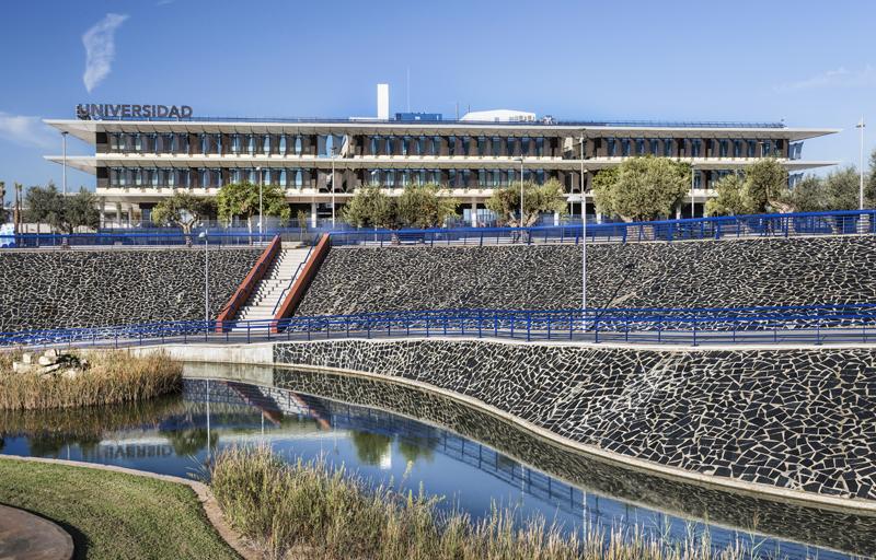 Nuevo complejo de la Universidad de Loyola en Sevilla.