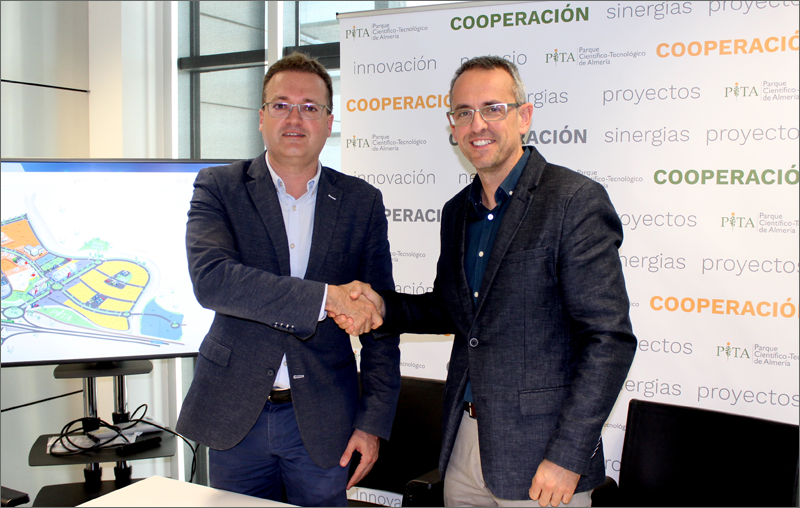 El director general del Parque, Diego Clemente y el decano del COAAL, José Díaz firmaron el nuevo convenio.