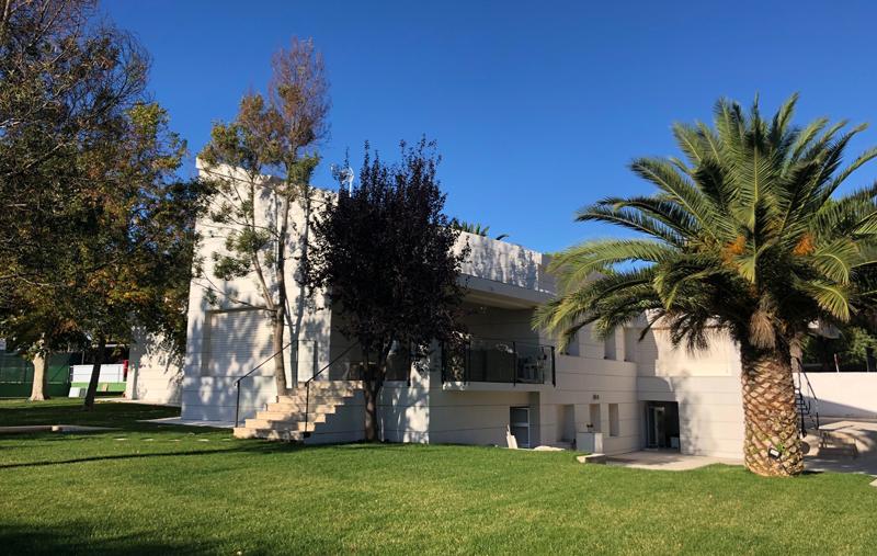 La vivienda de Boadilla del Monte tras la rehabilitación de fachada y cubierta.