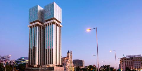 El nuevo edificio de consumo casi nulo Torres Colón se convertirá en un icono sostenible de la ciudad de Madrid