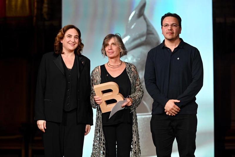 Ada Colau, Anna Noguer y Javier Fernández