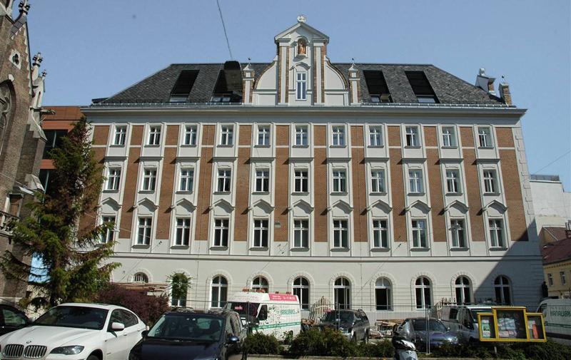 Aspecto del edificio rehabilitado Klostergebäude Kaiserstrasse, en Viena.