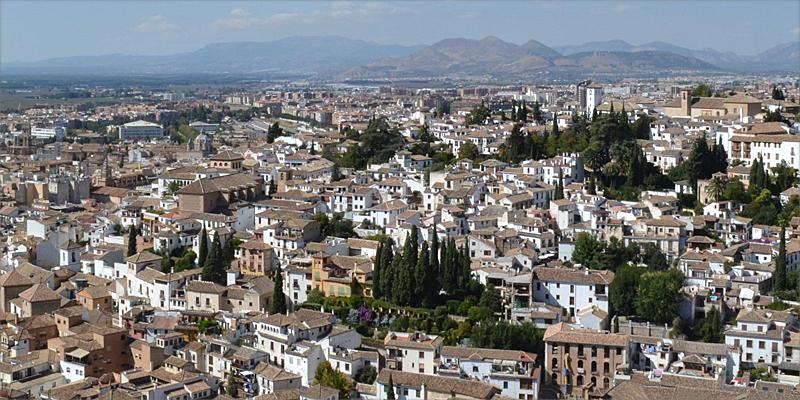 ciudad de granada . Andalucía es la comunidad autónoma que más importe ha recibido del Mitma para ejecutar programas del Plan de Vivienda