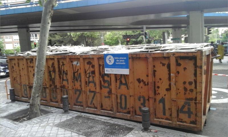 Contenedor para el reciclaje de yeso. imagen: Placo