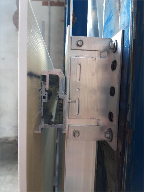 detalle del anclaje de una fachada ventilada.