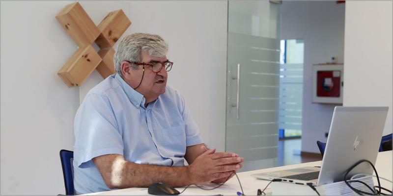 El director de la Agencia Gallega de la Industria Forestal, Ignacio Lema, informó de forma telemática sobre estas ayudas.