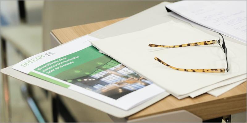 El manual se puede consultar y descargar de forma accesible y gratuita desde la web de BREEAM.