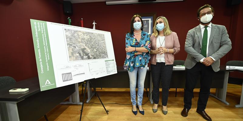 Carazo presentó el proyecto de renovación sostenible a la alcaldía de Cájar.