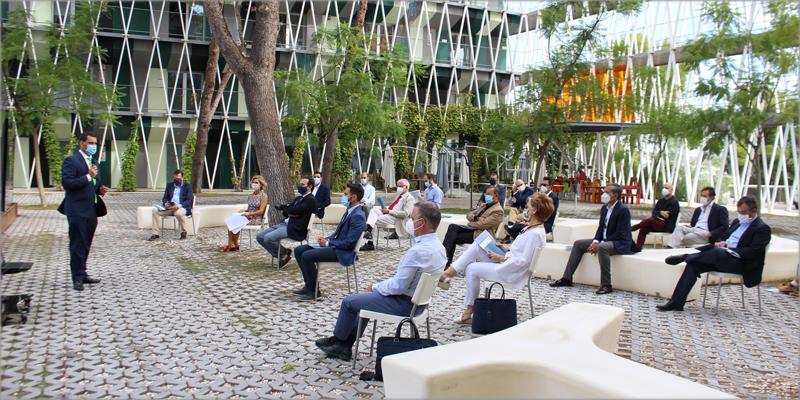 El consejero de Fomento e Infraestructuras, José Ramón Díez de Revenga, durante la presentación de la Estrategia de la arquitectura y construcción sostenible de la Región de Murcia