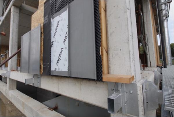 Figura 10. Fotografía ejecución de cerramiento de fachada.