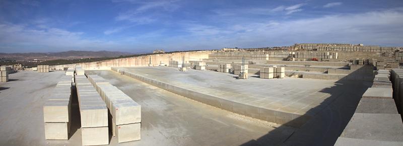 Cantera Rosales, extracción sostenible de la piedra Albamiel de Rosal Stones