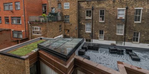 Beneficios energéticos de una cubierta aljibe ajardinada con Renolit Alkorplan en un edificio de Londres
