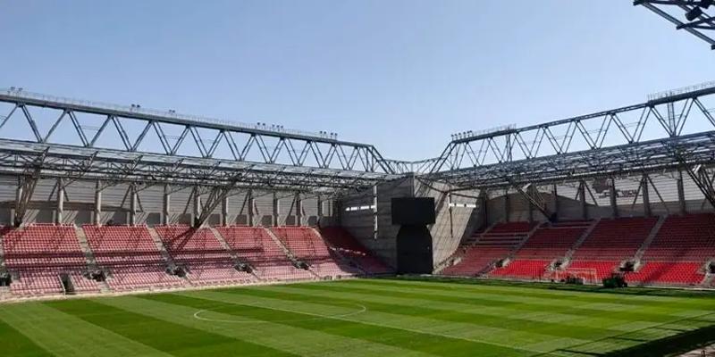 estadio de fútbol Be'r Sheva Football Stadium, en la ciudad de Be'er Sheva