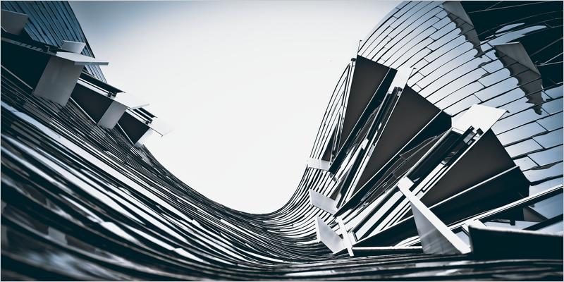 edificio con líneas curvas