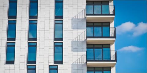 BEI y UCI impulsarán la rehabilitación de edificios en España y Portugal con financiación verde