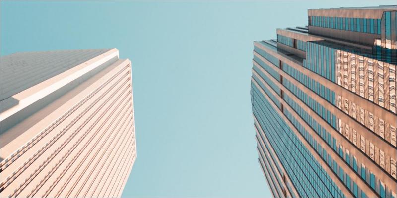 dos edificios opuestos