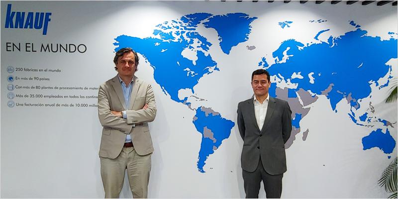 Alberto de Luca, CEO de Knauf Iberia (izquierda), con Miguel Pinto, director gerente del Clúster de la Edificación