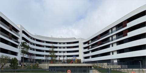 El aislamiento térmico Sikatherm con acabado Coteterm Aquasol de Sika permite el ahorro energético y la sostenibilidad en Aura Homes