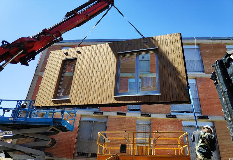 fachada modular de madera.