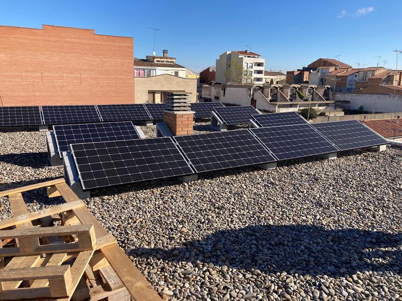 sistema fotovoltaico de 18 paneles